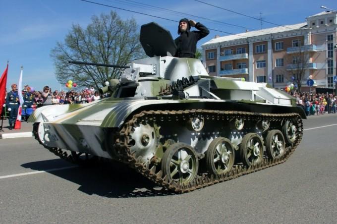Танки в городе — Т-60 на собственном ходу