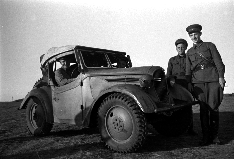 http://trofmash.ru/wp-content/uploads/2013/08/Battle_of_Khalkhin_Gol-Captured_Type_95_scout_car.jpg