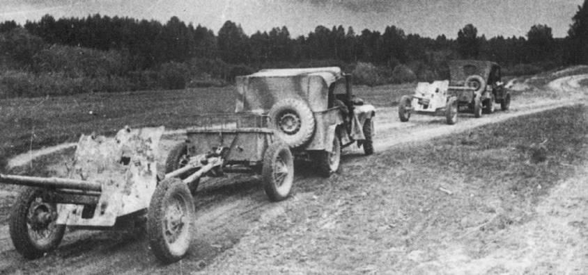 ГАЗ-64 vs Willys MA
