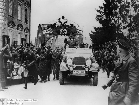 Hitler Braunau Merceds-Benz G4
