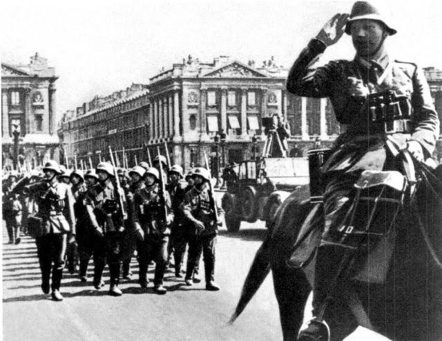 german-soldiers-paris-1940_horch901